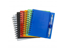 Bloco de anotações colorido com caneta